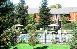 Meadowrock Apartments grounds and pool